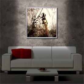 Tablou iluminat LED cu rama metalica The Woman from the Leaves (60 x 60 cm)