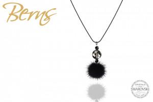 Lantisor negru cu cristale Swarovski si puf negru