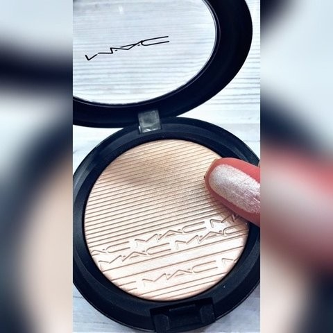 Pudra iluminatoare MAC Extra Dimension Skinfinish Lumiere Nuanta Double Gleam
