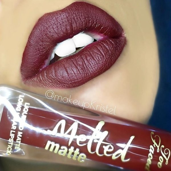 Ruj lichid mat Too Faced Melted Matte Nuanta Drop Dead Red