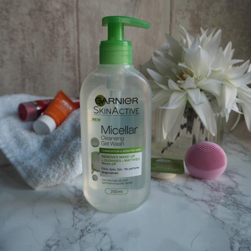 Gel de curatare micelar Garnier Micellar Cleansing Gel Wash, Ten Mixt, 200 ml
