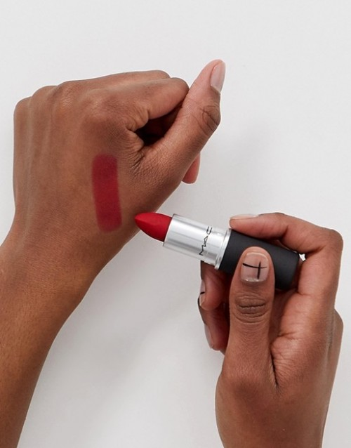 Ruj de buze MAC Powder Kiss Lipstick 922 Werk, Werk, Werk