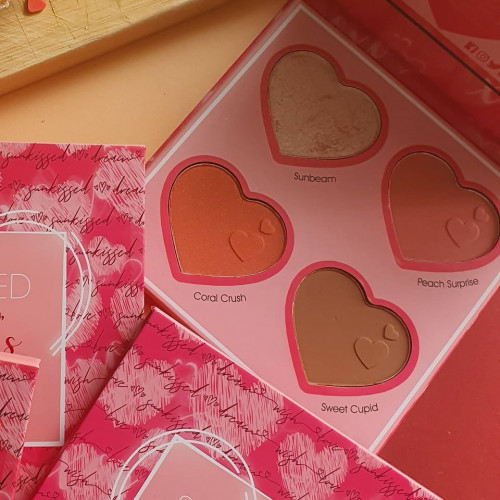Paleta iluminator si blush Sunkissed Cupid`s Match Face Palette