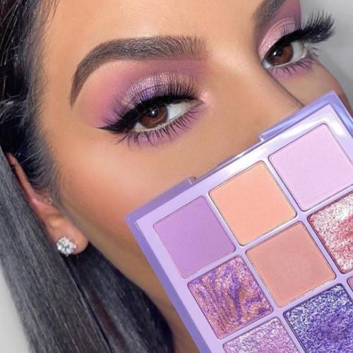 Paleta farduri de pleoape Huda Beauty Pastels Lilac