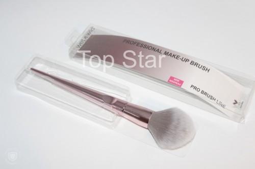 Pensula pudra Wet n Wild Pro Brush Line Powder / Blush Brush