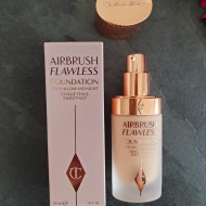 Fond de ten Charlotte Tilbury Airbrush Flawless Foundation 5 Neutral