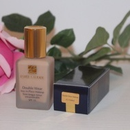 Fond de ten rezistent la transfer Estee Lauder Double Wear Stay In Place 3C2 Pebble