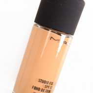 Fond de ten Mac Studio Fix Fluid SPF15 Nuanta C5