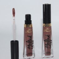 Ruj de buze lichid Too Faced Melted Latex Nuanta Strange Love