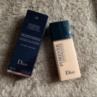 Fond de ten cu acoperire mare Dior Forever Undercover 24H Full Coverage 020 Light Beige