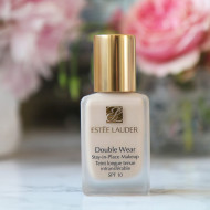 Fond de ten Estee Lauder Double Wear Stay-in-Place 1N0 Porcelain