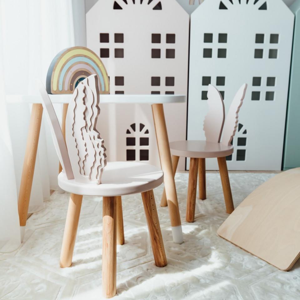 Set masuta patrata alba si 2 scaunele ingeras roz