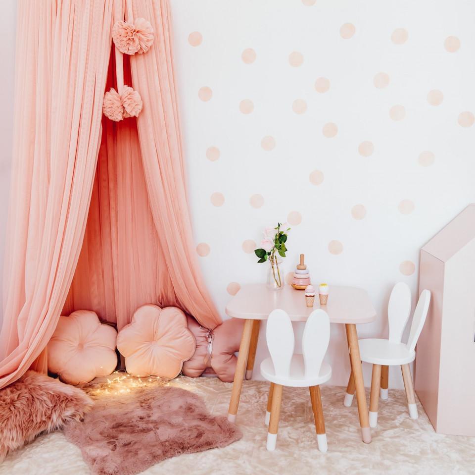 Set masuta patrata roz si 2 scaunele iepuras albe