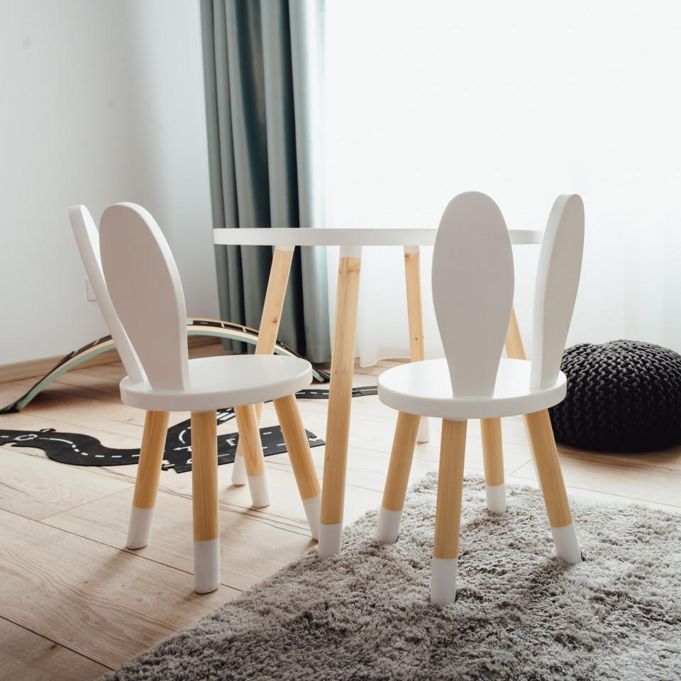 Set masuta rotunda alba si 2 scaunele iepuras albe