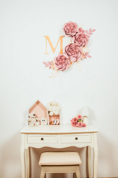 Flori decorative soft pink cu initiala