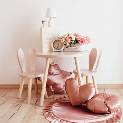masa roz pastel copii