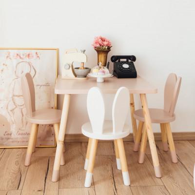 Set masuta patrata roz si 2 scaunele iepuras mroz si alb