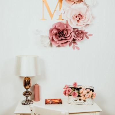 Flori decorative pink cu initiala