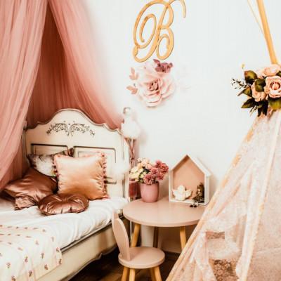 Flori decorative dusty pink cu initiala
