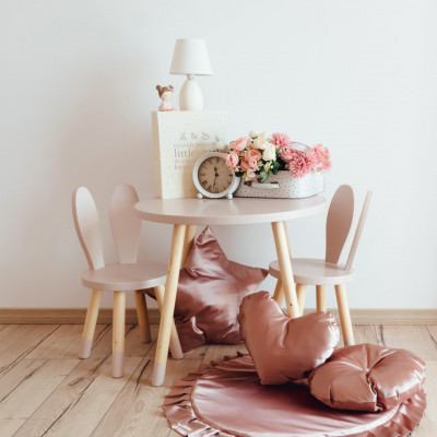 Set masuta patrata roz si 2 scaunele iepuras roz
