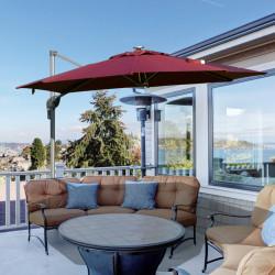 Outsunny Guarda-sol de alumínio de 300 cm Proteção UV 50+ 360 ° Giratório com manivela e luzes LED Painel solar Telhado reclinável Base cruzada granada