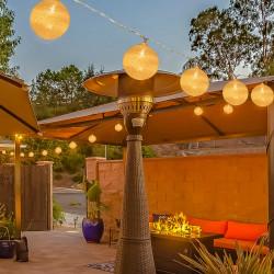 Outsunny 4 Grinaldas de Luzes LED de 5,3m com 20 Bolas com Ecrã de Algodão Luzes Branco Quente para Decoração de Interiores e Exteriores