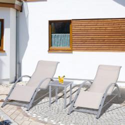 Outsunny 2 Espreguiçadeiras de Jardim 59x169x66 cm com Mesa 41x41x45 cm Vidro Temperado Apoio de Braços para Pátio Piscina varanda Bege