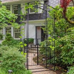 Outsunny Arco de jardim com porta de treliça de metal com fechadura para plantas trepadeiras Jardim Casamento Pátio 131x49x212 cm Cor Preto fosco