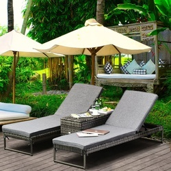Outsunny Conjunto de 2 espreguiçadeiras de jardim com almofadas acolchoadas de vime com mesa lateral para piscina ou terraço Carga 160kg 195x60x86 cm de vime Armação de aço cinza