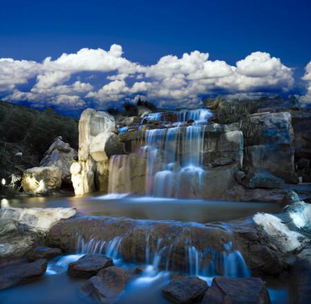 Fototapete, Fotomural, Cascadă pe un fundal de cer albastru