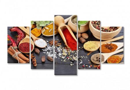 Multicanvas, Condimente colorate pe masa