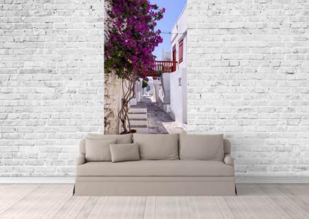 Fototapet Orase, O alee cu flori violete