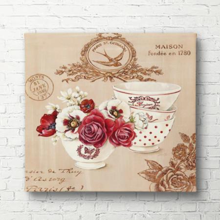 Tablouri Canvas, Flori roz într-o vază pe o masă pe un fond de tapet roz