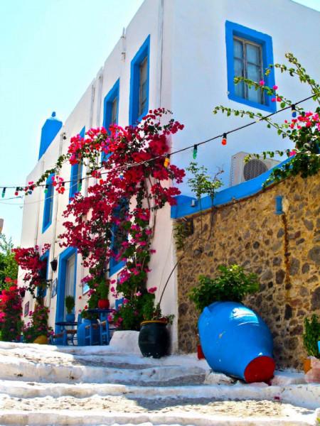 Fototapet Orase, Un oraș frumos alb