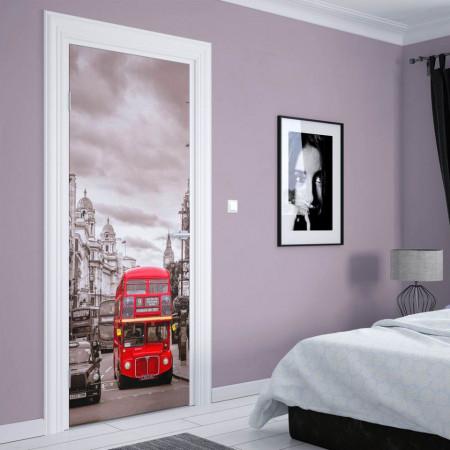 Stickerele decorative, pentru uși, Autobuzul roșu, 1 foaie de 80 x 200 cm