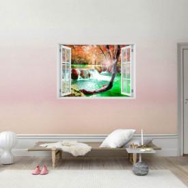 Fereastră falșă, Fereastra 3D cu vederea spre o cascadă fermecată