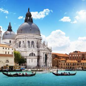 Fototapet Orase, Gondole și Veneția la răsăritul soarelui