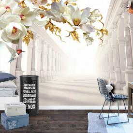 Fototapete 3D, Flori albe cu frunze aurii și fluturi pe fundalului unui tunel cu coloane