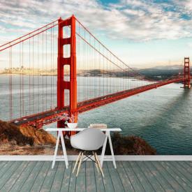 Fototapete, Un pod roșu și cerul senin
