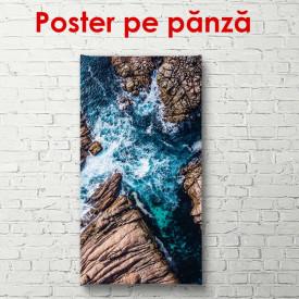 Poster, Vedere de sus a coastei stâncoase
