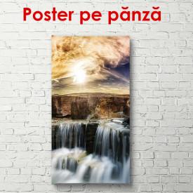 Poster, Frumoasa cascadă la apus