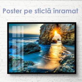 Poster, Răsăritul soarelui peste orizontul îndepărtat