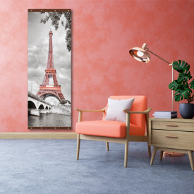 Rolap pe panza, Turnul Eiffel pe un fond alb negru