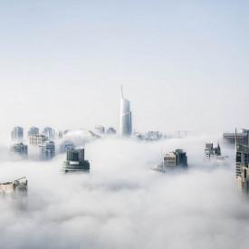 Fototapet Orase, Un oraș în nori
