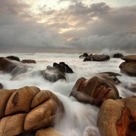 Fototapet, pietre pe apă