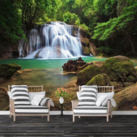 Fototapete, Bolovani și pe fundalul unei cascade si unor copaci