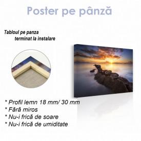 Poster, Apus de soare colorat pe mal