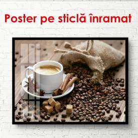 Poster, O pungă de boabe de cafea pe o masă