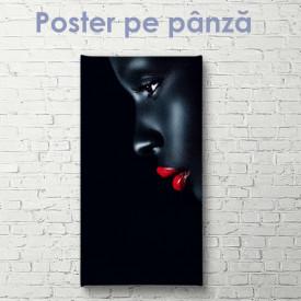 Poster, Portret la modă al unei fete cu pielea închisă la culoare