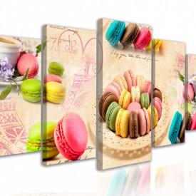 Multicanvas, Prăjituri multicolore pe un fond bej